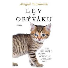 Lev v obýváku - Abigail Tuckerová