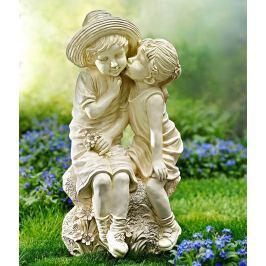 Zahradní soška První láska
